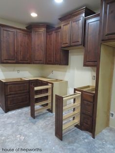Cabinets! We have lots and lots of cabinets!!