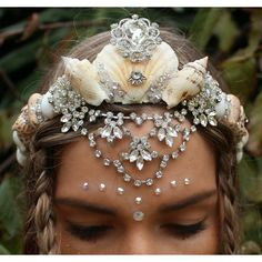 awesome Silver natural shell crown