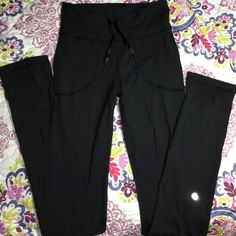 Lululemon Skinny Will sz 4 Love these they're in perfect condition just looking to trade for a size 2! In black these are a size 4 lululemon athletica Pants Leggings