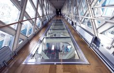 Glassolutions spectacular glass walkway floors across Tower Bridge Glass Walkway, Glass Bridge, Transformers, High Building, Tower Bridge London, London Attractions, Glass Floor, Things To Do In London, Steel Structure