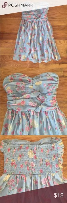 Floral Strapless Sundress Strapless sundress, blue with a floral print. Stretchy ribbed back. Worn once Dresses Mini