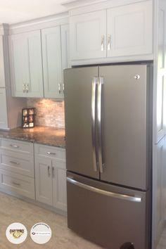 Slate Fabuwood by 75 Cabinets in Warrington, PA! Slate Kitchen, Kitchen Cabinets In Bathroom, Kitchen Cabinet Colors, Kitchen Cabinetry, Kitchen Redo, New Kitchen, Kitchen Remodel, Kitchen Ideas, Kitchen Images