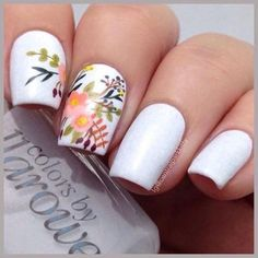 Nail art is a very popular trend these days and every woman you meet seems to have beautiful nails. It used to be that women would just go get a manicure or pedicure to get their nails trimmed and shaped with just a few coats of plain nail polish. Floral Nail Art, White Nail Art, White Nails, Flower Nail Designs, Toe Nail Designs, Nails Design, Salon Design, Pedicure Design, French Nails