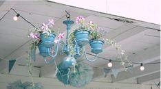 Macetas de barros y 18 ideas de manualidades Grands Pots, Flower Chandelier, Glass Vase, Art Pieces, Ceiling Lights, Canning, Flowers, Home Decor, Garden