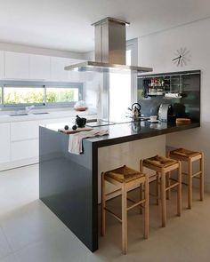 b & w kitchen