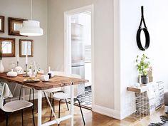 Choisir son éclairage: Adapter la taille du lustre à l'espace : à titre tout à fait indicatif, on opte généralement pour une suspension de 40 cm de diamètre dans une pièce de plus de 15 m2.