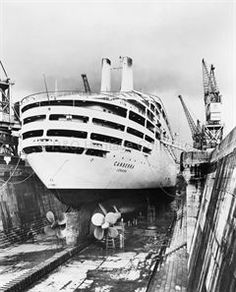 CANBERRA in dry-dock at Southampton 1961 - The problem of soot that dogged her funnels is clearly visible. To rectify the problem the funnels uptakes were extended by in P&o Cruises, Falklands War, Merchant Navy, Naval, Yacht Boat, Beautiful Ocean, Tall Ships, Southampton, Titanic