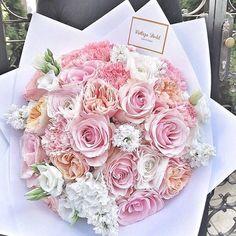 Flower bouquet Élő vegyes virágcsokor