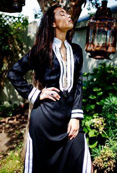 Mariam Style noir blanc Caftan Kaftan  parfait par MaisonMarrakech