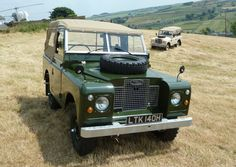 Land Rover 88 Serie II A soft top canvas in the best way to get life. Love this so much... Lobezno.
