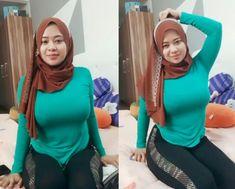 Arab Girls Hijab, Muslim Girls, Beautiful Hijab Girl, Beautiful Asian Girls, Hijabi Girl, Girl Hijab, Hijab Fashionista, Yoga Pants Girls, Most Beautiful Indian Actress