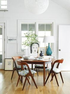 A posts with a number of round dining table options / dream house: dining room conundrum / sfgirlbybay