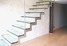 http://uvglassprojects.com/projects/large/ar_stairs_case2_1_larg.jpg