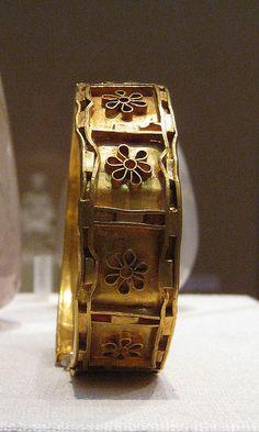 5th C. BCE, Cypriot : Gold and cloisonne bracelet