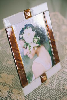 22 x 27,5 cm - White and Ambra Glass Photoframe - Photographed by Gabriele Parafioriti Photography - Photo inside Jose Villa