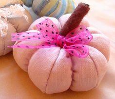 Home decoration Pink linen pumpkin autumn / halloween Pink Halloween, Vintage Halloween, Pumpkin Ideas, Shabby Vintage, Fall Pumpkins, Autumn, Seasons, Decoration, Unique Jewelry