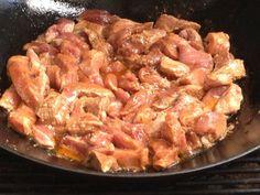 Čína z vepřového masa - nejlepší recept - Zabijačky.cz Goulash, Shrimp, Pork, Food And Drink, Chicken, Meat, Cooking, Asia, Kale Stir Fry