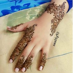 178 Simple and Unique Mehndi Designs for Hands Modern Mehndi Designs, Mehndi Design Pictures, Beautiful Mehndi Design, Latest Mehndi Designs, Bridal Mehndi Designs, Mehndi Images, Finger Henna Designs, Mehndi Designs For Fingers, Henna Designs Easy