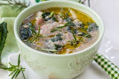 Slow Cooker Kale and Quinoa Soup