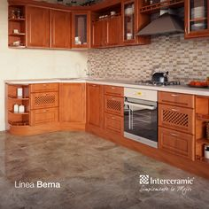 La limpieza en una cocina depende de su orden. Utiliza muebles para alejar de la vista los instrumentos.