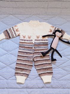 Nordic Yarns and Design since 1928 Crochet For Kids, Knit Crochet, Knitted Baby Clothes, Baby Knitting, American Girl, Baby Dolls, Knitting Patterns, Baby Boy, Rompers