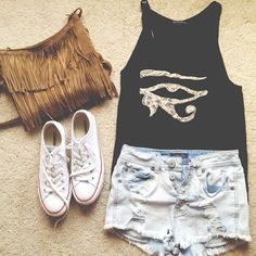 I love this top! Cute outfit! http://www.studentrate.com/fashion/fashion.aspx