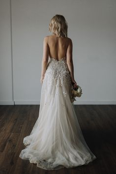 Backless Alexander Grecco gown. Images by Rachel Takes Pictures #styledshoot #backlessweddingdress #alexandergrecco #weddingdress #weddinggown #bridalgown #bridaldesigner #weddingfashion #weddingstyle
