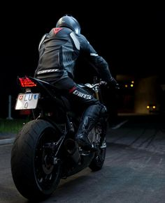 S1000r Bmw, Biker Photoshoot, Gp Moto, Biker Boys, Motorcycle Photography, Bmw S1000rr, Bmw Motorcycles, Biker Leather, Super Bikes