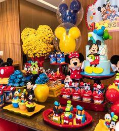 """Mimos and Party on Instagram: """"Uma festa intimista com o Mickey e sua turma para o Marcelo comemorar 1 aninho!!! 🎉🎈"""" Minnie Mouse Theme Party, Fiesta Mickey Mouse, Mickey Mouse Decorations, Mickey Mouse First Birthday, Mickey Mouse Clubhouse Birthday Party, Mickey Mouse Parties, Mickey Party, Elmo Party, Dinosaur Party"""