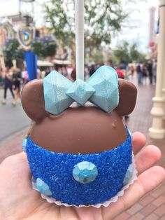 Mini Food Crawl: The Sparkliest Diamond Desserts at Disneyland - To paraphrase a popular song, diamonds and food are this editor's best friends.