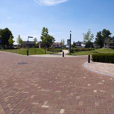 Special gele keramische straatstenen passend in omgeving | Nieuwenhagen- Lichtenberg, Landgraaf
