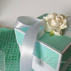 18K7/KRABIČKA/svatební na peníze mint/bílá IHNED Facial Tissue, Beauty, Self, Beauty Illustration