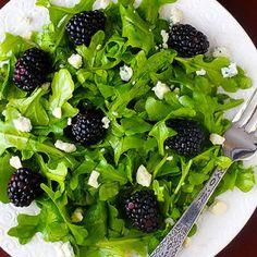 Blackberry Arugula Salad with Citrus Vinaigrette- Top 10 Clean Eating Recipes. These recipes look SOOOO good Healthy Salads, Healthy Eating, Healthy Recipes, Blackberry Recipes, Blackberry Salad, Clean Eating Recipes, Cooking Recipes, Clean Meals, Citrus Vinaigrette