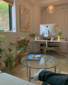 "KAYA on Instagram: ""오랜만의 브이로오그 vlog vlog vlog 🥑"" Room Ideas Bedroom, Bedroom Decor, Decoration Inspiration, Piece A Vivre, Aesthetic Room Decor, Dream Rooms, Cozy Room, House Rooms, New Room"