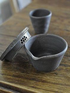 sabi iron tea set / ceramics / oli oli / japan