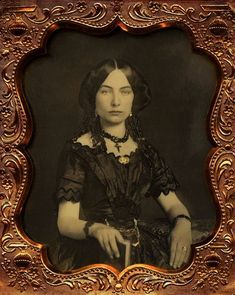 Daguerreotype of an unidentified woman, photographed by Thomas Martin Easterly, ca. From the Easterly Daguerreotype Collection of… Victorian Photos, Victorian Women, Antique Photos, Vintage Pictures, Vintage Photographs, Old Pictures, Victorian Era, Vintage Images, Old Photos