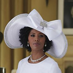 Ladara Hat - Sunday hat . She is killing it in this outfit. Must be the First Lady of the Church! smile