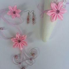Parure enfant collier, bracelet, boucles et pince rose bonbon