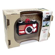 A new batch of can-inspired cameras has reached our shores. The La Sardina Pattern Editions are here to combine your flair for fashion and your passion for photography. Great-looking geometric exteriors merge with incredible features?ultra wide-angle lens, simple focus settings, and convenience of 35mm film?all to boost every Lomographer?s style! $74.95