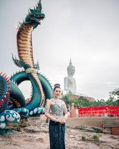 Art Of Dan, Thai Wedding Dress, Dragon Statue, Thai Art, Ancient Beauty, Fantasy Costumes, Thailand Travel, Travel Around, Beautiful Beaches