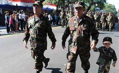 Desfile de generaciones en honor a la patria. Foto: José Molinas/ÚH