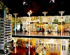 A walking tour of restaurants, bars, bookstores, and shops in Capetown, South Africa