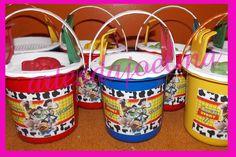 20 baldinhos de praia personalizado <br>20 porta lápis <br>20 copo long drink com adesivo lavavel <br>20 mochilinha <br>Podedodo ser feito com todos os temas