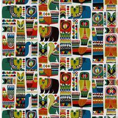 Marimekon Kukkuluuruu-vahakangas on hurmaavan värikäs ja yksityiskohtainen. Sanna Annukan luoma kuosi on saanut innoituksensa eläimistä Suomen ja Afrikan luonnossa.