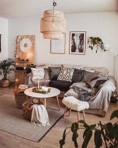 Wonderful And Relaxing Living Room Design Ideas. Here are the And Relaxing Living Room Design Ideas. This post about And Relaxing Living Room Design Ideas was posted under the Living Room category by our team at March 2019 at pm. Hope you enjoy it and . Home Decor Bedroom, Easy Home Decor, Apartment Decor, Living Room Scandinavian, Bohemian Living Room Decor, Relaxing Living Room, Interior Design Living Room, Boho Living Room, Home Decor