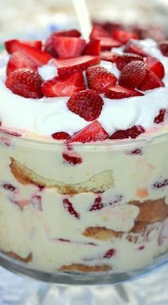 Lemon Curd Trifle with Fresh Strawberries
