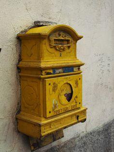 vieille bo te aux lettres la poste pour livre d 39 or wedding boite pinterest belle chypre. Black Bedroom Furniture Sets. Home Design Ideas