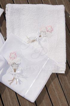 Λαδόπανα βάπτισης για κορίτσι βαμβακερό με μπουκέτο λουλούδια