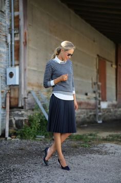 Such a sweet outfit … love the contrast of the silky pleated skirt, houndstooth sweater & polka dot shirt + the cute heels & aviators! Photos of Mary Orton @ Memorandum ~ debra   DustJacket on Bloglov