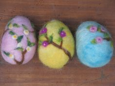 needle felted easter eggs by @Made4uByMagic
